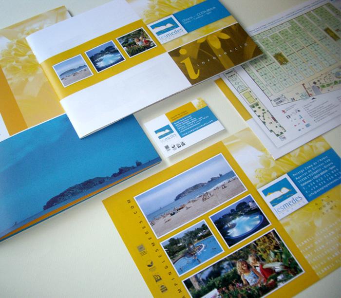 Diseño de folletos para camping